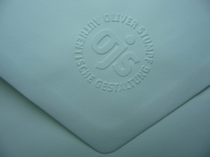 Embossed ALTA Kuvert embossing flap